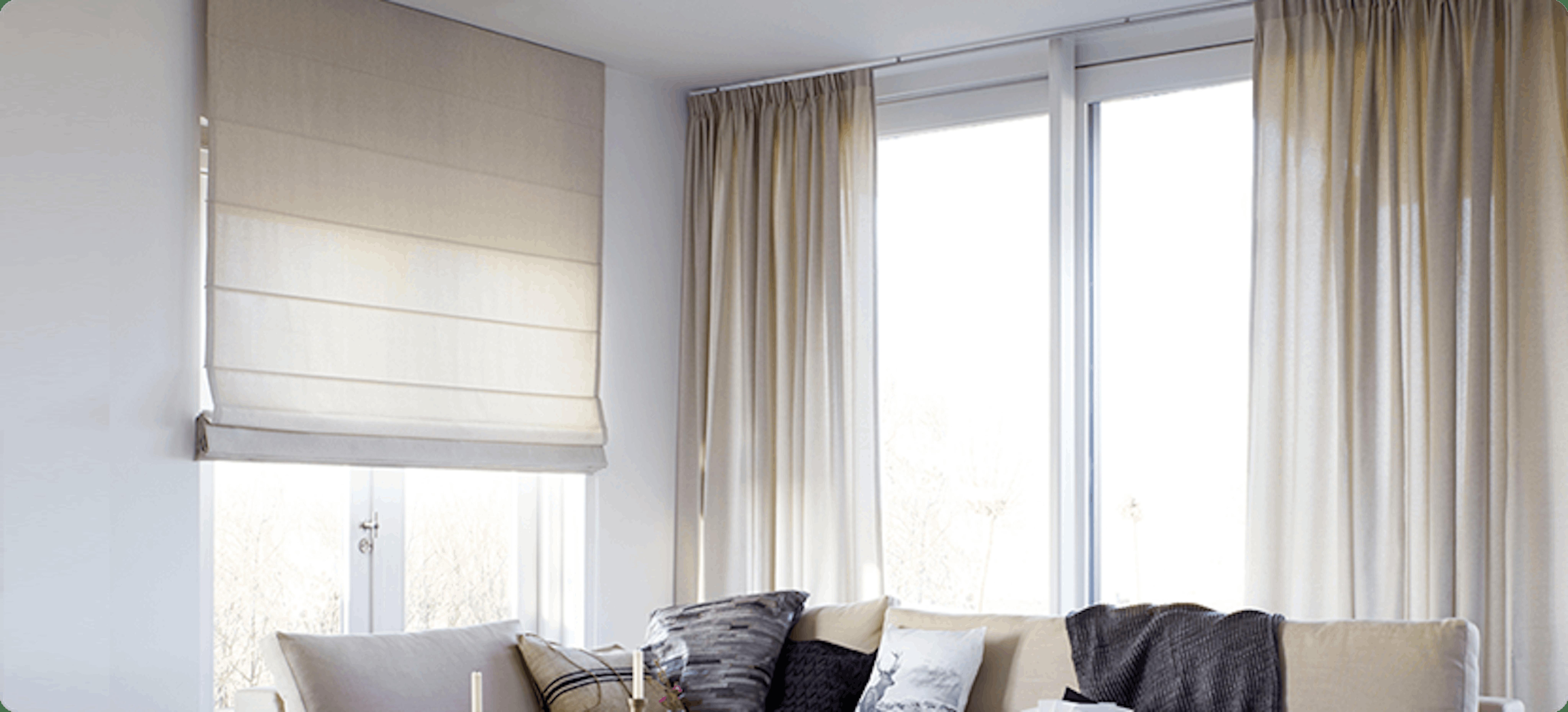 Raamdecoratie voor je schuifpui: wat kies jij?