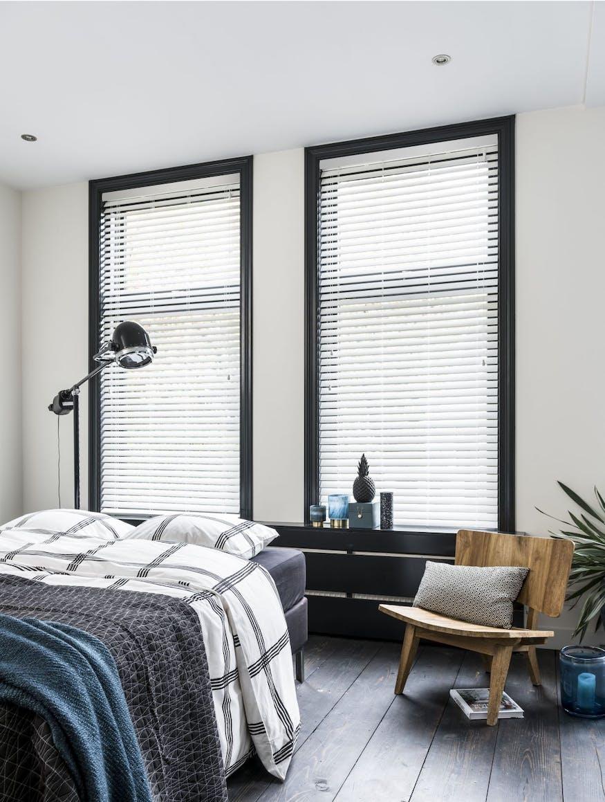 Fonkelnieuw Creëer rust in de slaapkamer met de juiste raamdecoratie IV-69