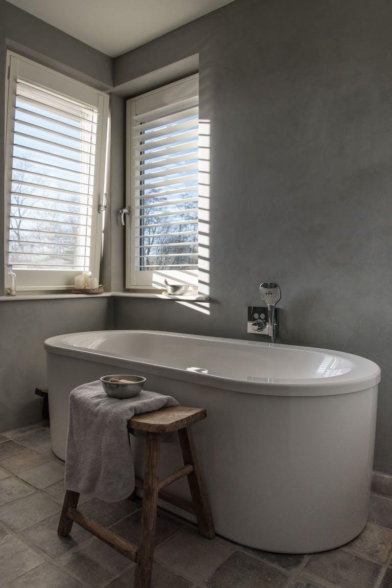Shutters in de badkamer: vochtbestendig & isolerend