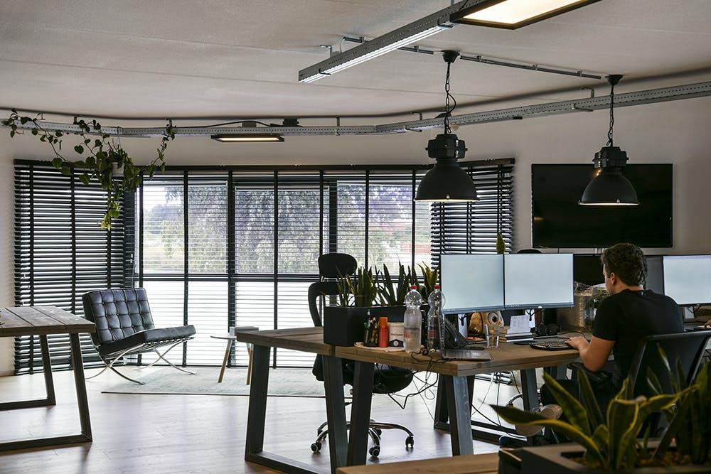 Aluminium jaloezieen kantoor